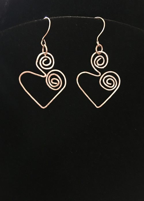 silver wire earrings in heart shape