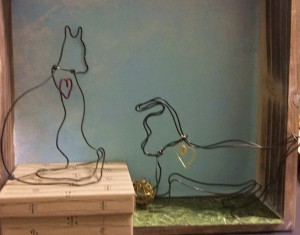 dog and cat made of metal wire
