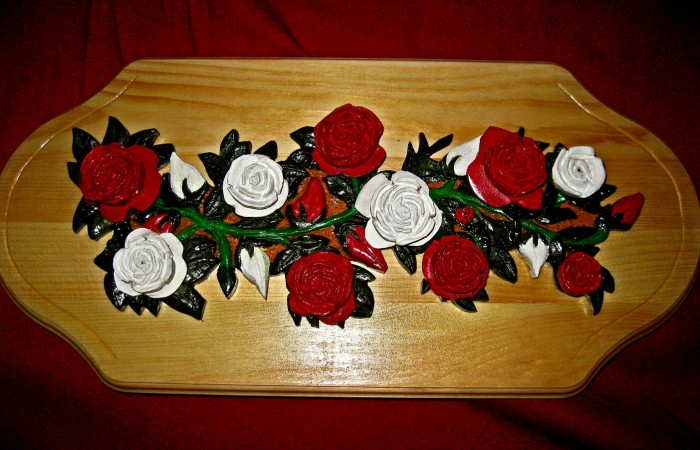 plaque with rose design