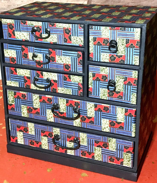 paper decorated drawers in Japanese tradition