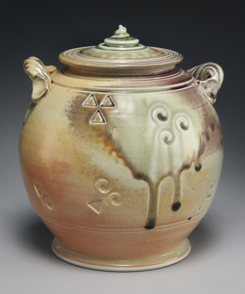 urn with 2 handles in neutral colors